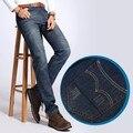 Venta caliente de los hombres de moda los pantalones vaqueros delgados ocasionales Rectos de Los Hombres jeans Gastados