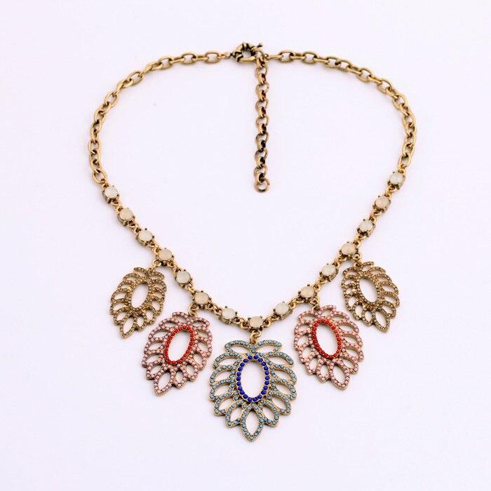 Повседневное Дизайн пять листья ажурные Цепочки и ожерелья одежда аксессуары прямые продажи от производителя