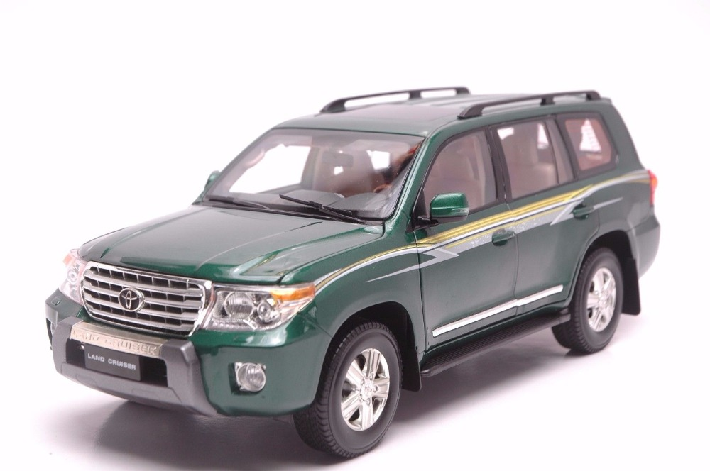 1:18 Diecast Model for Toyota Land Cruiser LC200 2012 Green SUV Alloy Toy Car Miniature Collection Gift 1 18 vw volkswagen teramont suv diecast metal suv car model toy gift hobby collection silver