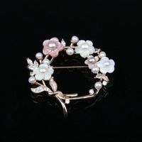 2018 Brooch Pins Fashion Jewelry High Quality Natural Pearl Shell Flower Zircon Brooches Wedding Accessories