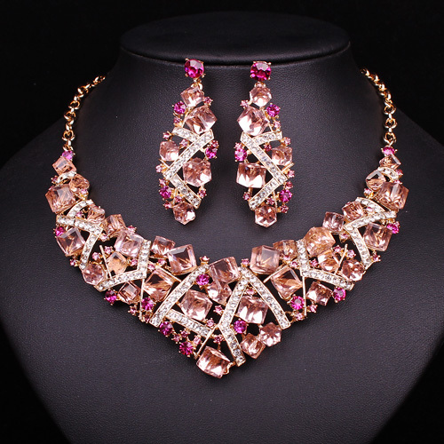 2017 Women Sparkling Pink Crystal Choker Necklace Earring Set Charm Bridal Jewelry Set Wedding Prom Dress Accessories Decoration