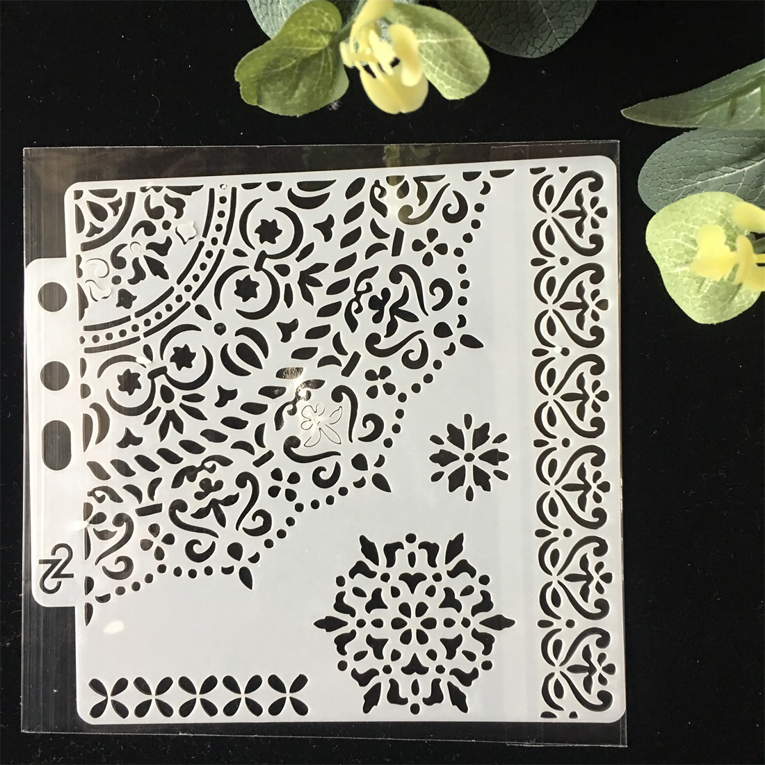 1Pcs  1/4 Circle Edge DIY Layering Stencils Wall Painting Scrapbook Coloring Embossing Album Decorative Paper Card Template