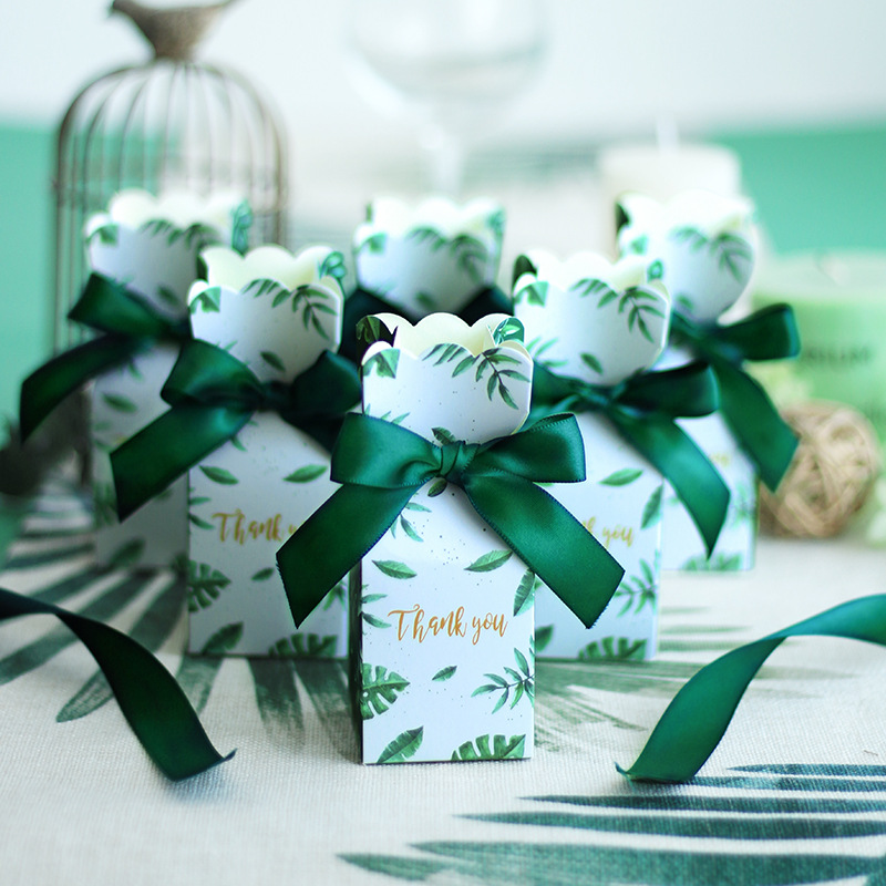 Green Paper Candy Boxes Gift Bag Wedding Gift Box Baby Shower Favors Birthday Party Christmas Supplies Wedding DecorationGreen Paper Candy Boxes Gift Bag Wedding Gift Box Baby Shower Favors Birthday Party Christmas Supplies Wedding Decoration