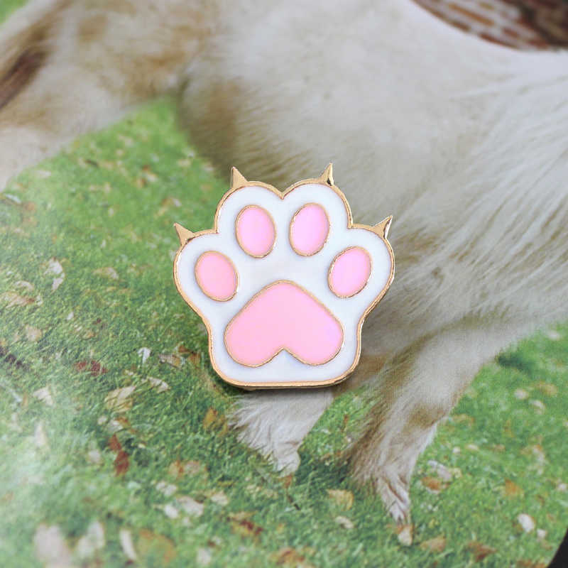 XEDZ The new  Creative Zinc alloy Pink metal Dog Cat Paw Brooch Personality icon Shirt  Fashion Friends Couple Children Jewelry