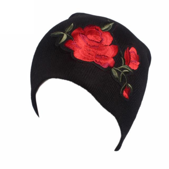 Mulheres chapéu 2017 chapéu ocasional das senhoras com Bordado Rosas  impressão câncer Chapéu Gorro Quimio Cachecol c59a2842921