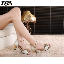 2017 New Designer Women Salsa Shoes,Latin Dance Shoes Woman Outdoor Chaussures,Peep Toe Air Gym Sneakers,5.5 cm Gold Color Heels