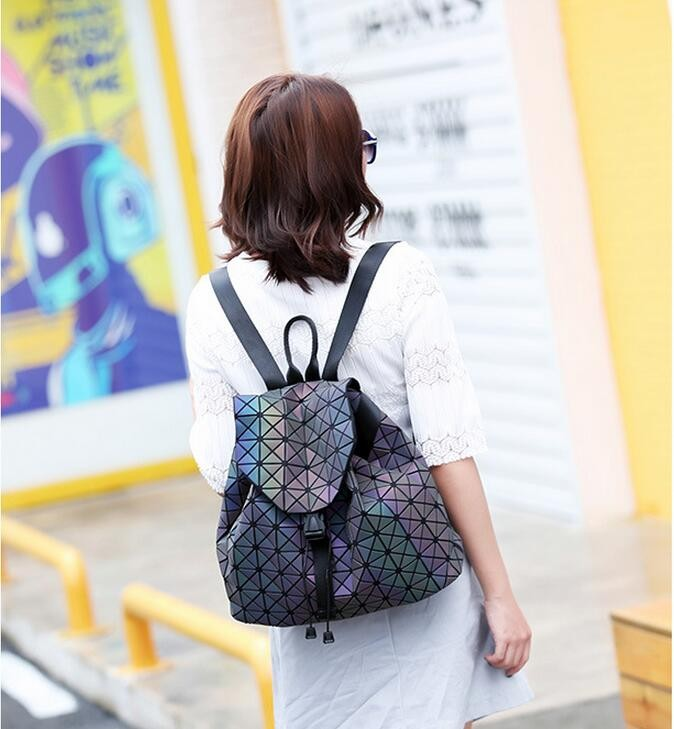 Biseafairy Luminous Backpack Diamond Lattice Bag Travel Geometric Women Fashion Bag Teenage Girl School Noctilucent Backpack 5