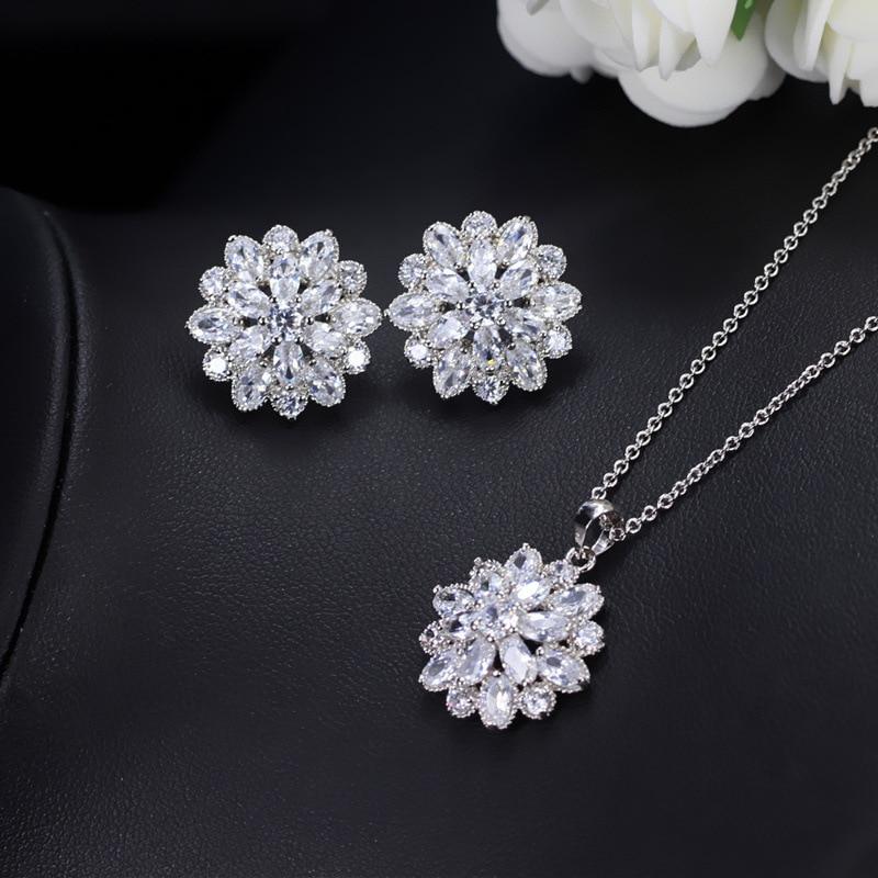 2017 selling for womens jewelry temperament AAA + Cubic Zirconia rose earrings snow earrings simple earrings M&WL3100