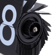 Black/White Despertador Small Scale Table Flip Clock