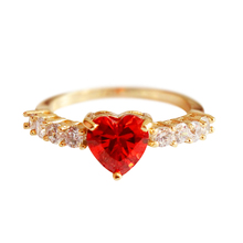 2019 Fashion Exquisite Big Red Heart Cubic Zirconia Wedding Classic Paryt Women Jewelry Ring Golden Romantic Glittering 3085