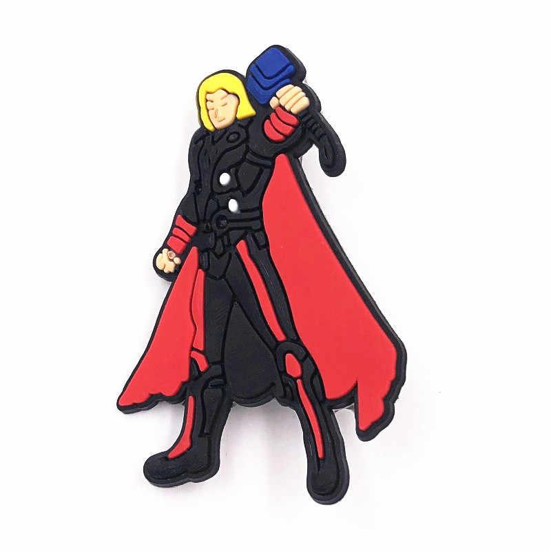 1 Pcs Avengers Batman PVC Ikon Kartun Bros Pin Lencana Anime Figure Super Hero Pin Tombol Lencana Ransel Anak-anak Pakaian dekorasi