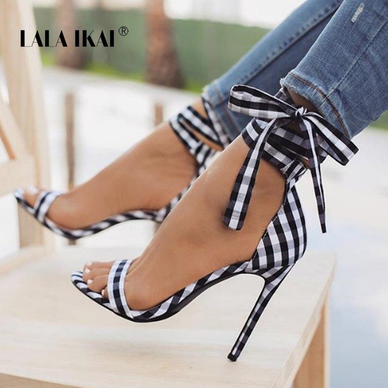 LALA IKAI סקוטי משובץ גבוהה סנדלי נשים צלב-קשור עקבים גבירותיי קרסול רצועת תחרה עד המפלגה קשת גבוהה נעליים 014C1880-4
