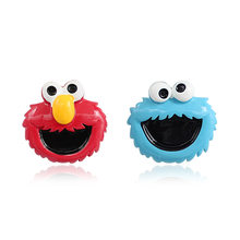 Retro cartoon cute childish Tu cool couple red and blue sesame street brooch Pins(China)