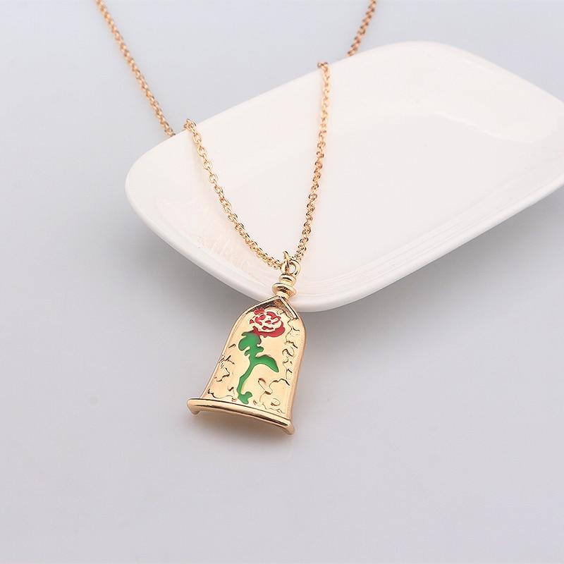 Enamel Rose & Leaves Necklace gBmjh588k
