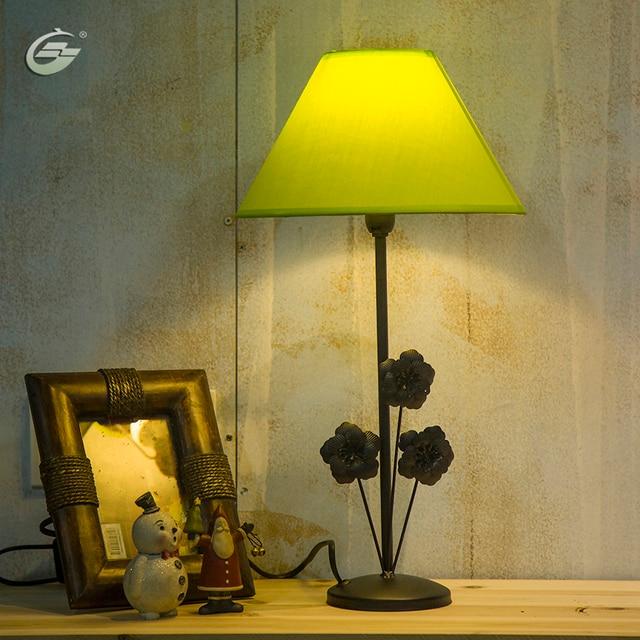 Bunte LED Tischlampe Stoff Lampenschirm Schwarz Eisenbasis Schlafzimmer Wohnzimmer Nacht Hotel Moderne Dekoration Beleuchtung