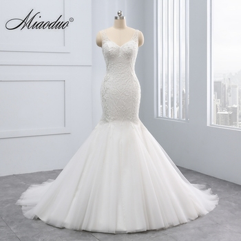 Miaoduo 2018 New Mermaid V-neck Wedding Dress Appliques Button Bridal Gown vestido de noiva Nice Lace Pearls Wedding Dresses