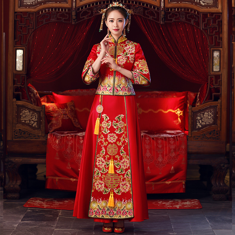 Red Tassel Cheongsam Set Classic luxurious Rhinestone Slim Qipao Vintage Oriental Female Embroidery Flower Wedding Cresses Gowns