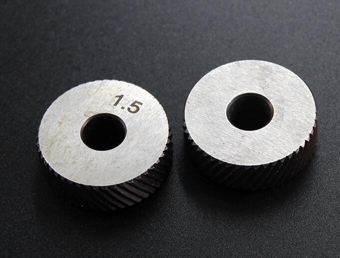 2 шт. Высокоскоростная сталь 0,6 мм/0,8 мм/1,0 мм/1,2 мм/1,5 мм/1,8 мм/2,0 мм инструмент шаг грубая Диагональ накатки колеса ролик 26x8x8 мм