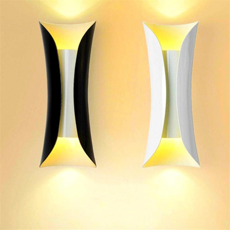 YIYANG Creative High Grade Modern Curved Metal Hotel Hall LED Wall Light Living Room Fixtures Corridor