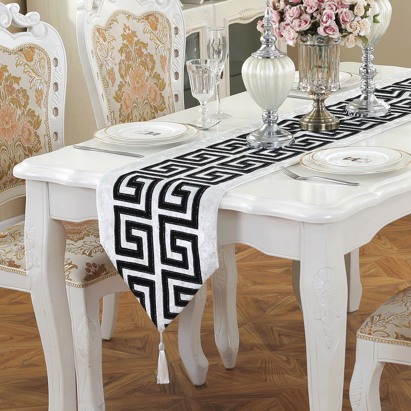 New Chinese Modern Simple Style Table Runner  Classical Retro Black And White Red Tea Table Cloth Fashion Table Cloth Table Flag