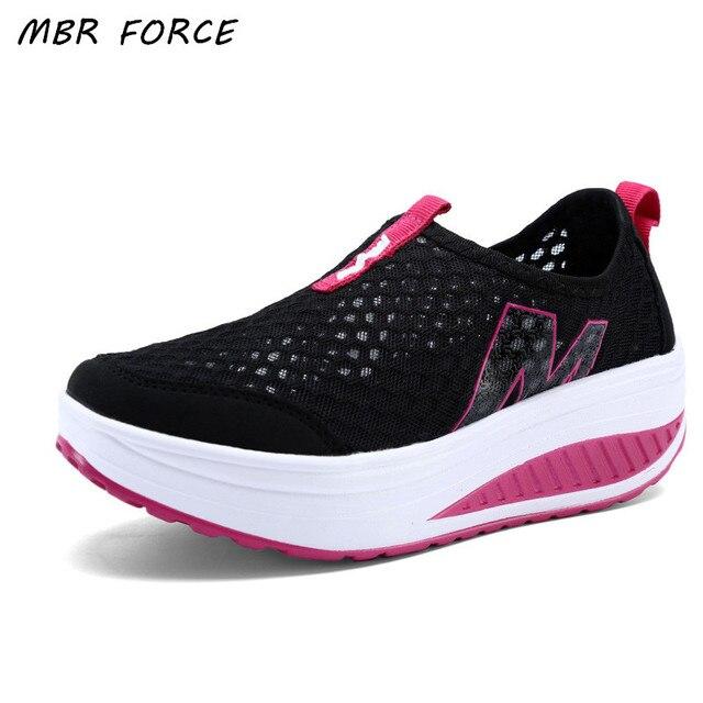 Nuevos zapatos de las mujeres zapatos de moda del deporte ocasional caminar zapatos altura aumento mujeres holgazanes respirables Air Mesh Swing cuñas zapatos