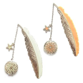 Metal Luminous Feather Angel Wings Bookmark Retro Moon Fluorescent Big Five Stars Time Gem Exquisite Small Bookmarks