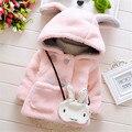 2016 Оптовая Зима детская одежда девушки куртка пальто толстый милый мультфильм кролик верхняя одежда Куртка С Капюшоном