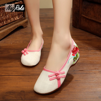2017 Fashion Designer Flats Shoes Women Sapato Sexy Feminino Ladies Chinese Embroidered Shoes Loafers Oxford Shoes