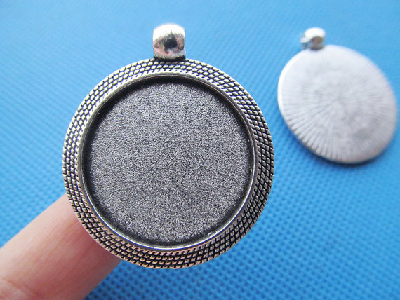 5pcs <font><b>32mm</b></font> Heavy Antique Silver tone/Antique Bronze Border <font><b>Round</b></font> <font><b>Base</b></font> Setting Tray Pendant Charm/Finding,fit 25mm Cabochon/Cameo image