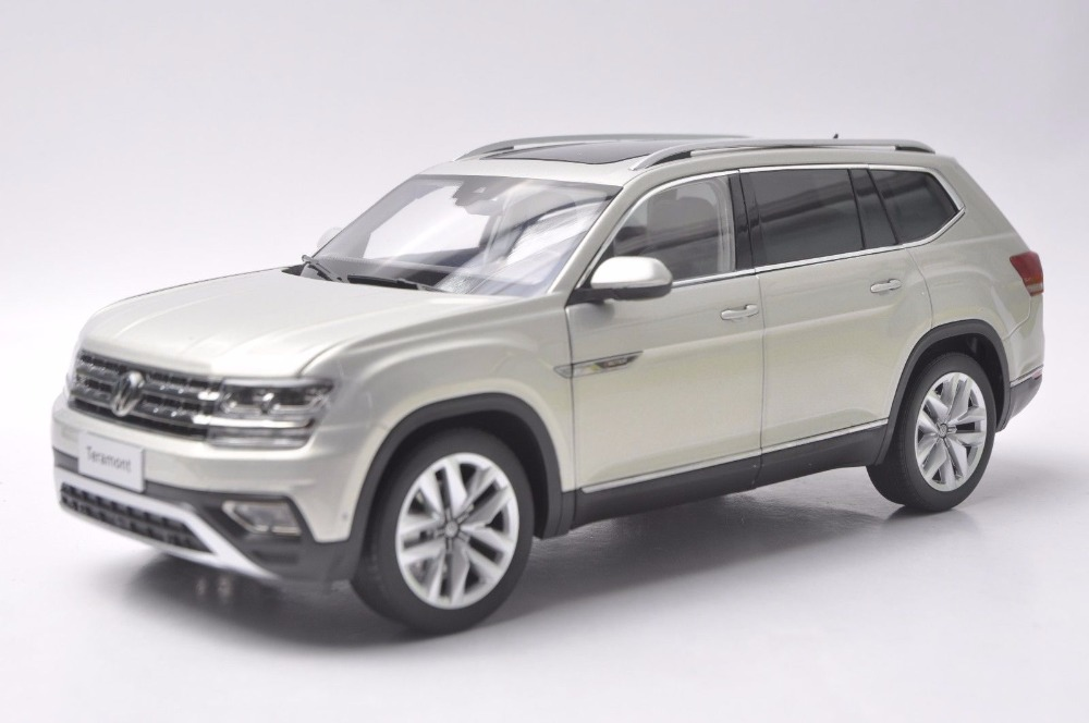 1:18 Diecast Model for Volkswagen VW Teramont Atlas 2017 Silver Large SUV Alloy Toy Car Miniature Collection Gifts