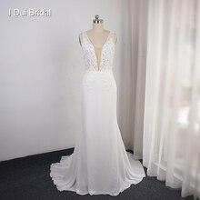 Шифоновое кружевное свадебное платье футляр с глубоким V образным вырезом