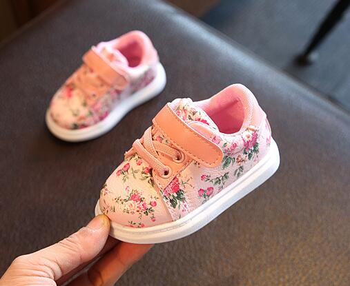 Cute-Baby-Shoes-For-Girls-Soft-Moccasins-Shoe-2017-Autumn-Black-Flower-Baby-Girl-Sneakers-Toddler-Boy-Newborn-Shoes-First-Walker-2