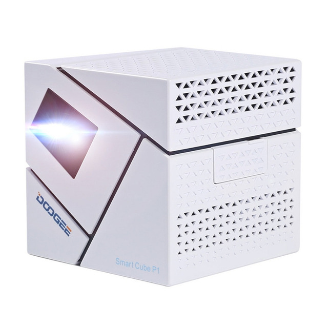 Original DOOGEE P1 DLP Protable Smart Projector Android 4.4 Quad Core 1GB+8GB WiFi 4800mAh Pico Projector Home Theater
