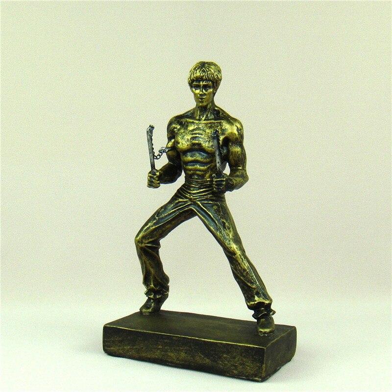 Bruce Lee jugando Nunchaku estatuilla hecha a mano de resina artes marciales estatua estrella de cine ídolo recuerdo decoración regalo y artesanía Accesorios