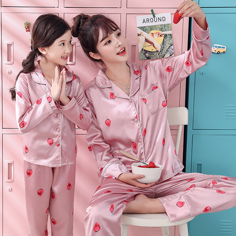 Autum Spring Pajamas Suit for Mother Kids Family Matching Outfits Mother and Daughter Son Women Clothing Mommy Outfits E0110