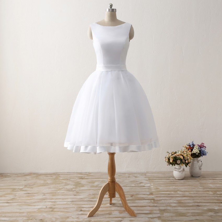 Cheap Short Beach Wedding Dresses 2019 Backless Women Knee Length Organza Satin Formal Bridal Party Gowns White Dress With Bow