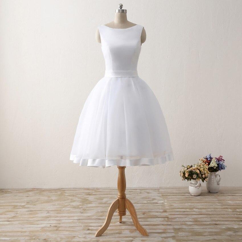 Pas cher courte plage robes de mariée 2019 dos nu femmes genou longueur Organza Satin formelle robes de mariée robe blanche avec arc