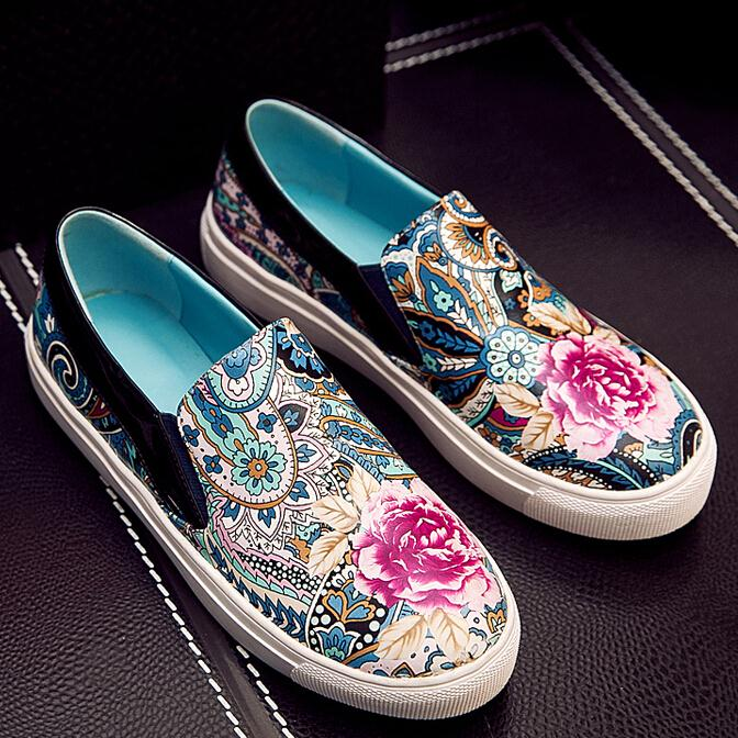 new sweety style Embroidered casual round-toe women flat women Casual shoes Comfortable Platform women shoes flat sale