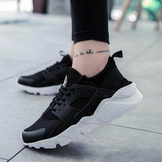 afefa8b387 Moda 2018 Calçados Casuais da Mulher E Homens Verão Confortável Respirável  sapatos de Malha Tênis de