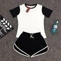 Chándal para las mujeres Primavera Y el Verano 2016 de Manga Corta camiseta y Pantalones Cortos trajes de Mujer En Dos Colores Establece Mujeres Plus tamaño