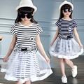 Ropa de 2016 niños del verano de rayas de manga corta de algodón niña juegos para niñas niños arropan los juegos 2 unids dress + hilo falda