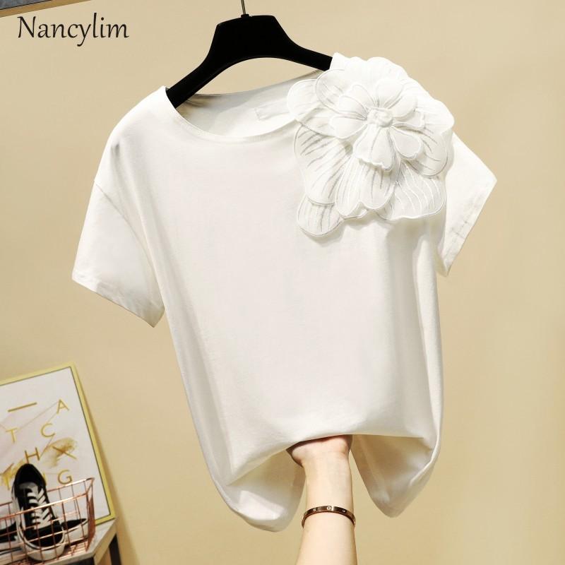 Tshirt 2019 Spring Summer New Korean Handmade Three-dimensional Flower Round Collar Short Sleeved T Shirts Women Leisure Tops