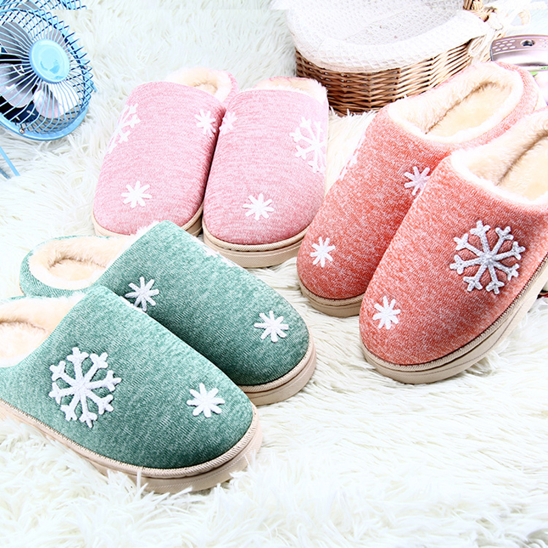 Winter Indoor Home Furry Slippers Snowflake Non-slip Soft Plush Slippers Women Cotton House Warm Female Flat Floor Shoes QBT1102 fashion autumn and winter indoor home lovers cotton drag floor plush slippers female slip resistant