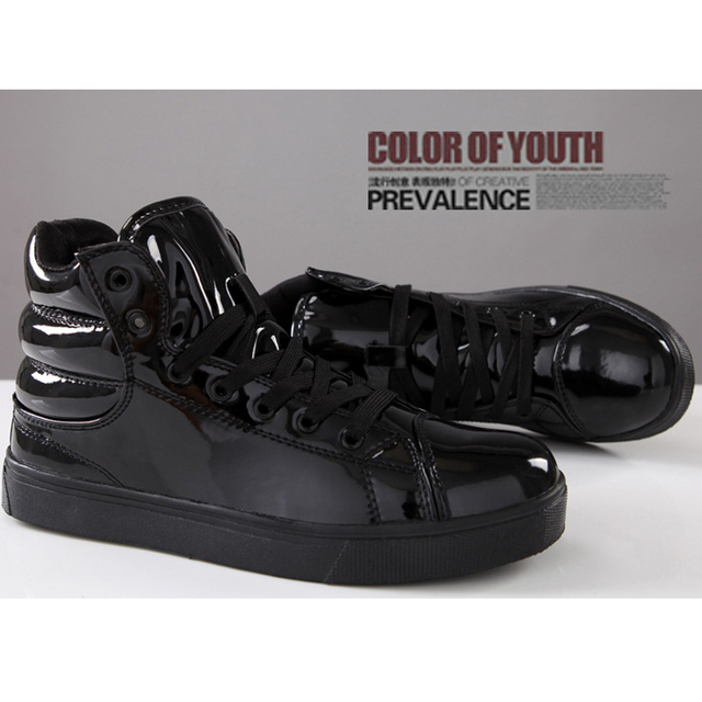aca4258668ea 2015 New Size 39-44 Basketball shoes Men Boys Sneakers Yeezy Black Red  White Blue Basketball shoes Jordan shoes for men White