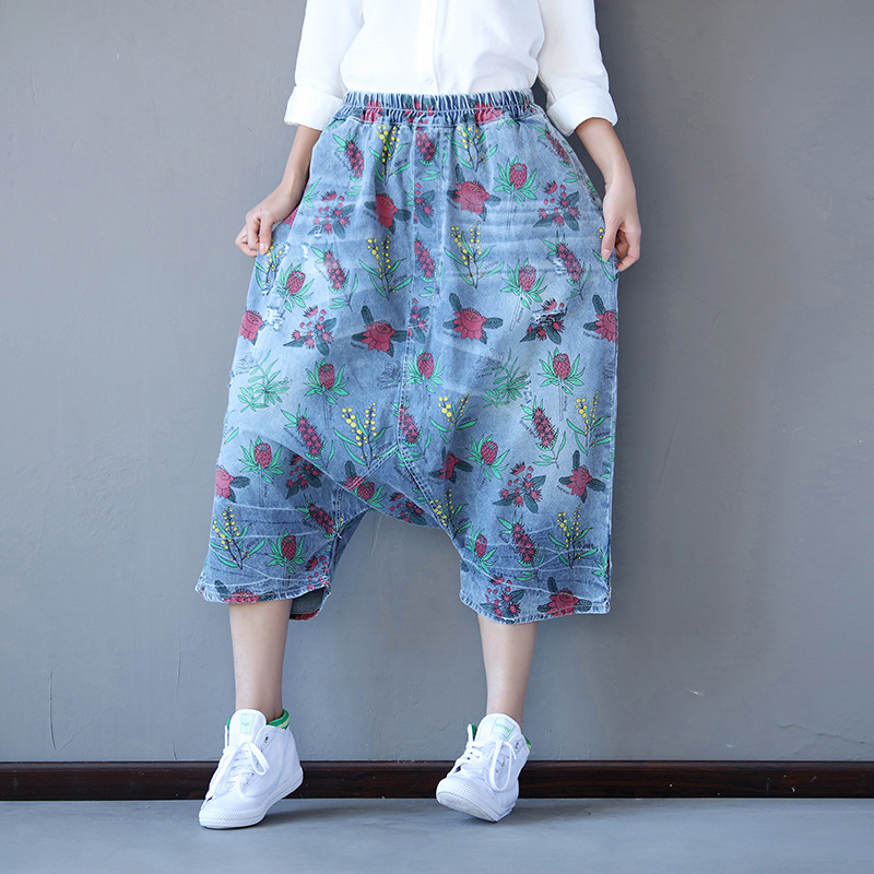 Japanese Samurai Style Women Washed Floral Print Jeans 2018 New Cross Pants Calf Length Retro Printing Denim Trousers G062002