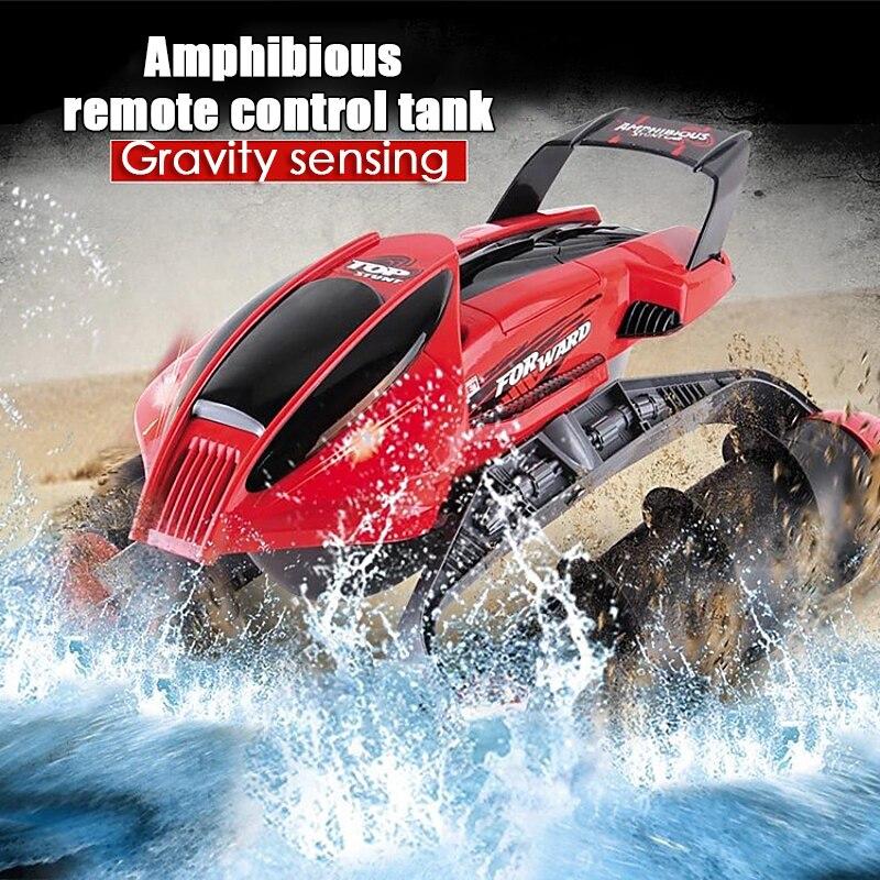 Anfibio Prodezza di RC Serbatoio Auto Multi Funzione di Barca del RC Serbatoio Auto Su Acqua Erba di Sabbia Per Bambini Remote control educativi giocattolo