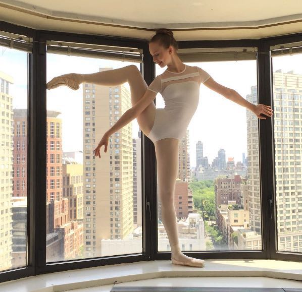 На взрослого танцевальный балетный комбинезон с коротким рукавом для девочек трико комбинезон с подкладкой О образным вырезом Женский чер