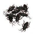 10 unids Chistes Divertidos Juguetes De Plástico Modelo Niños Adultos Simulación Insectos Cucarachas Cucaracha Fake Broma Juguete Truco de Halloween Decoración