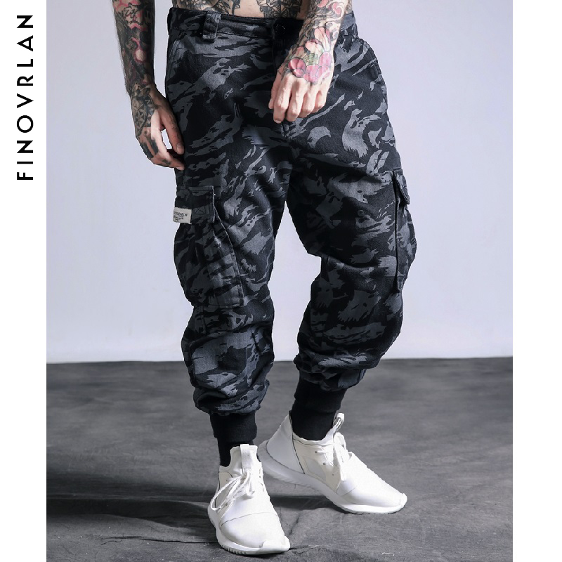 Militar Camouflage Pants Dark Soul Cargo Pants Men Skateboard Bib Overall Camo  Pants Ins Network With 19551583d68