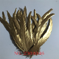 Z & Q & Y 100pcs / Pack 30 35cm (12 14ich) Handmade Sorting Beautiful Metal Golden Rooster Tail Feather Wedding Dress Up